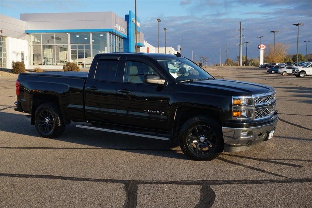Used 2015 Chevrolet Silverado 1500 2LT with VIN 1GCVKREC9FZ206154 for sale in Lakeville, Minnesota