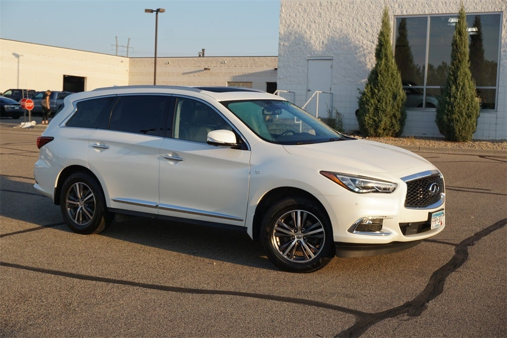 Used 2017 INFINITI JX  with VIN 5N1DL0MM8HC505828 for sale in Lakeville, Minnesota